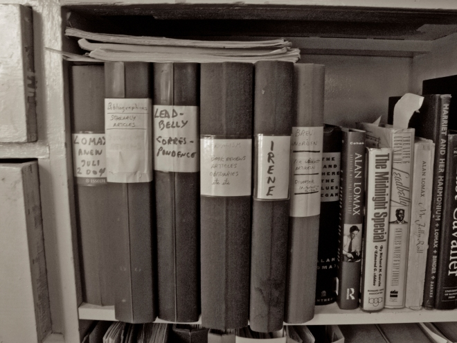 Izzy's Bookshelf