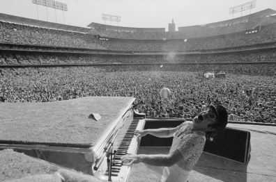 elton_john_backbend